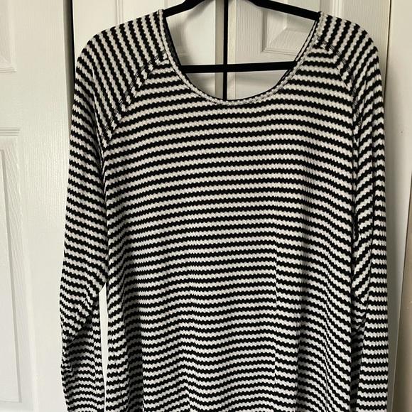 Torrid Black & White Waffle Knit Long Sleeve Top